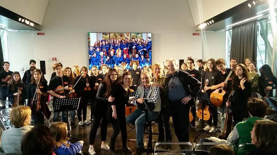I ragazzi dell'Orchestra Giovanile Pepita con il Maestro Pezzera all'Expo Gate di Milano dove il 31 marzo hanno condiviso con il pubblico le loro prove d'insieme.